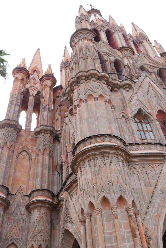 The central pink church of San Miguel de Allende