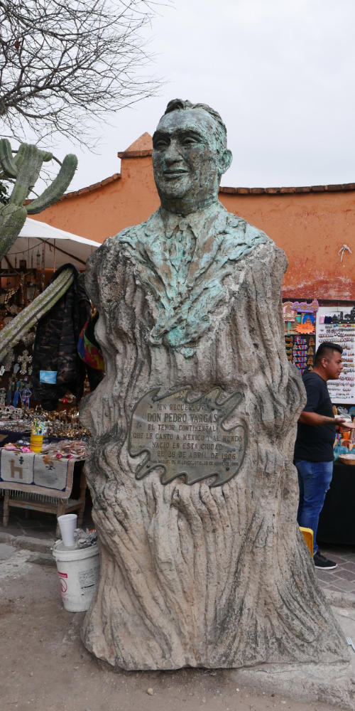 Statue at the lookout point (mirador) in San Miguel de Allende