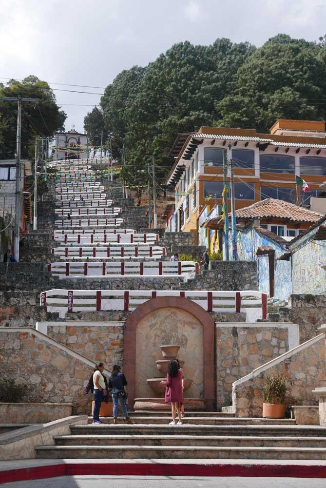 Stairs towards the Iglesia de San Cristobal